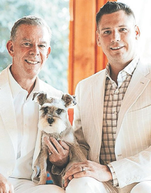 Elvis Duran and Alex Carr tie the knot in New Mexico