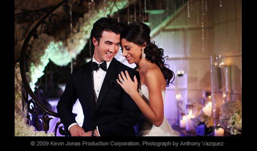 Kevin Jonas & Danielle Deleasa
